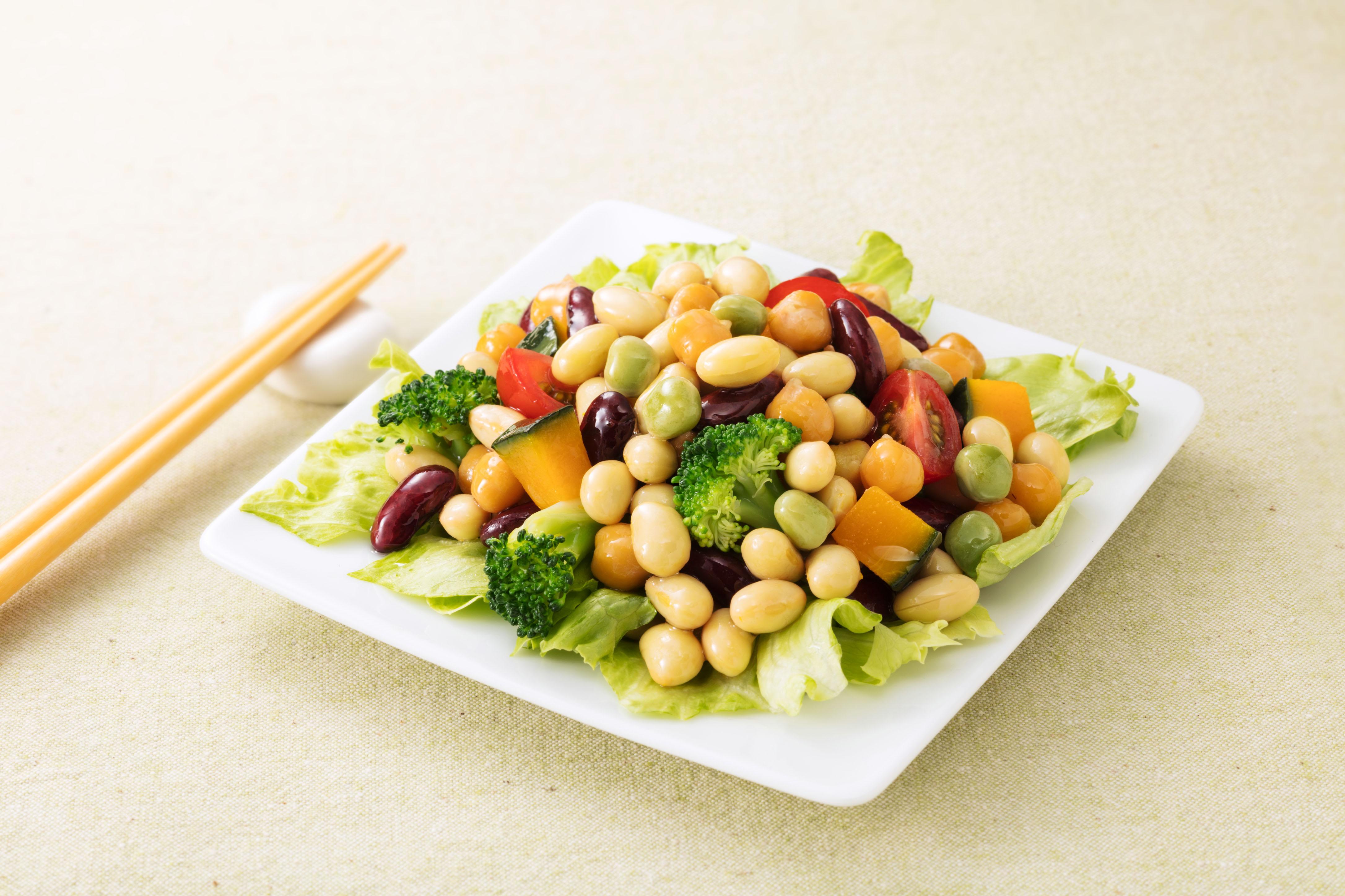 植物性乳酸菌100億個が入った「乳酸菌が入った 蒸しサラダ豆」