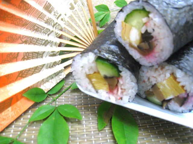 「桜でんぶ」を使用したレシピ(恵方巻き)